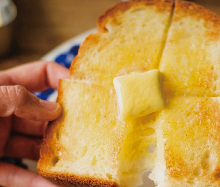 Buttered toast using Balmuda The Toaster