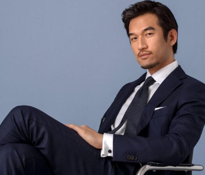 A man wearing a Proper Cloth suit.