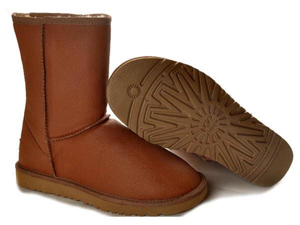 ugg mens classic short bomber snow boots - chestnut colour