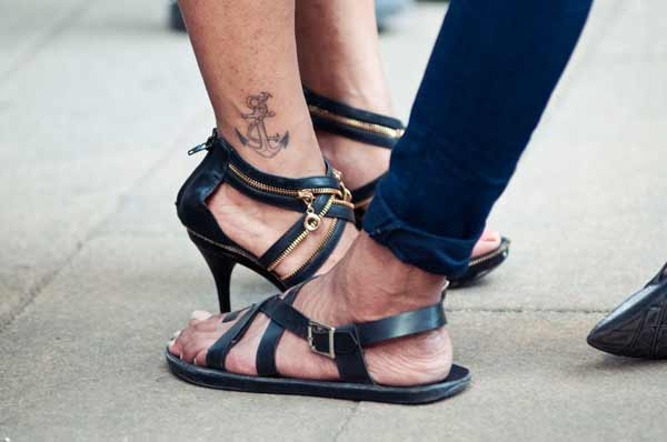 Airport-Fashion,-men's-sandals