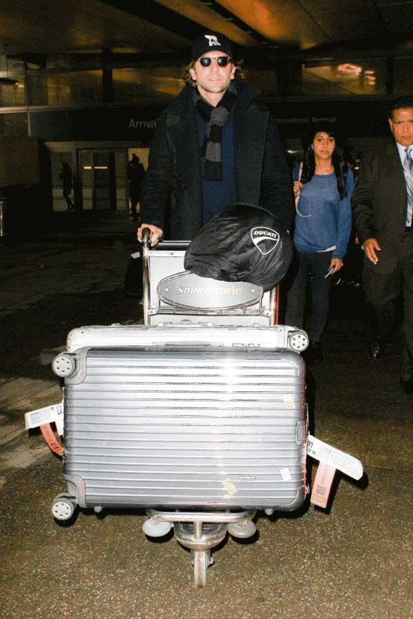 Bradley-Copper-RIMOWA-suitcase