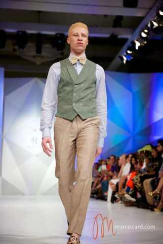 Shaun Ross - Velsvoir Maria Scard Fashion Forward Dubai Fashion Week 2014 (46)