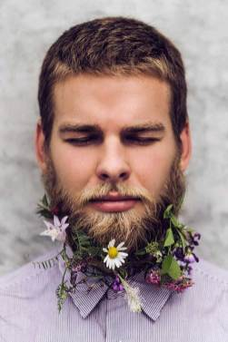 Beard-Fashion-men-with-Flowers-on-their-beard-1