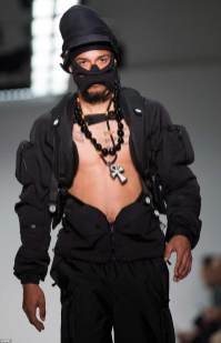 29925D0700000578-3121885-Designer_Nasir_Mazhar_had_a_utility_theme_to_some_of_his_clothes-a-53_1434132143413