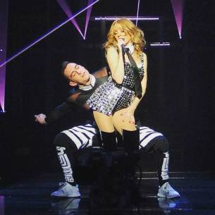 SkorpionDancer Kylie Minogue Kiss me Once Tour 2015 (3)