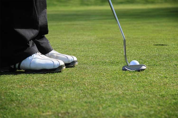 golf-putting