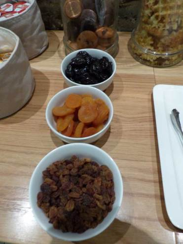 9hotel-brussel-breakfast.jpg-breakfast-dried-fruits