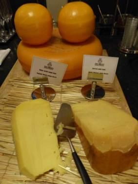 Hotel-Des-Indes-The-Hague-MenStyleFashion---breakfast-cheese