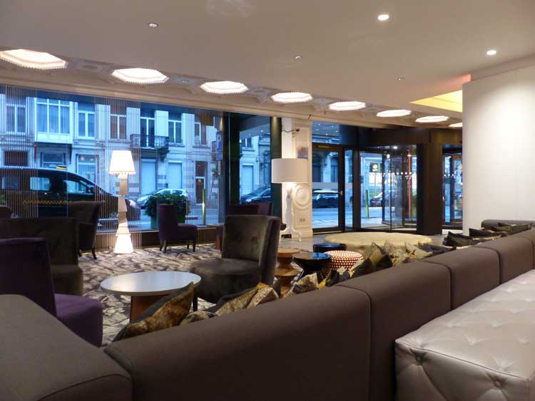 HotelBloom-Brussels-MenStyleFashion-2015-Review-reception-lounge