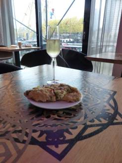 Champagne with omelette