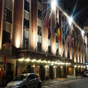 Royal Windor Hotel Grand Place By Night