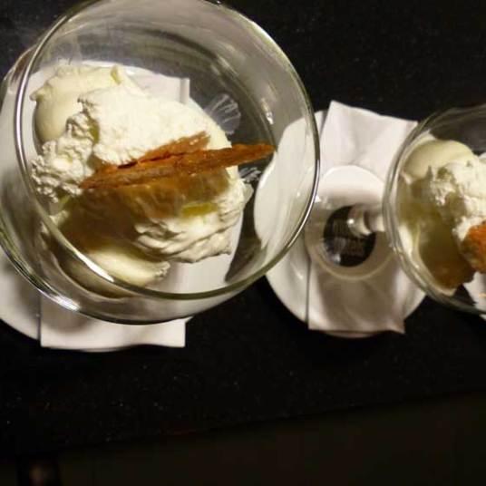 white lady ice cream - €7