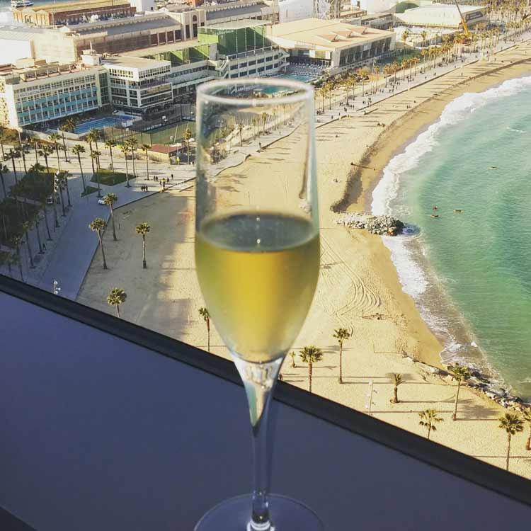 WBarcelona-MenStyleFashion-2016-Review-Hotel--Cava-Wonderful-Room