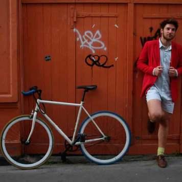 la-camisa-con-calzoncillo-incorporado-que-arrasa-en-Francia-2
