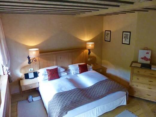 Bedroom Rosa Alpina