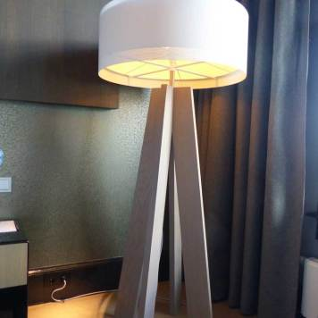 Big standing light - Junior Suite