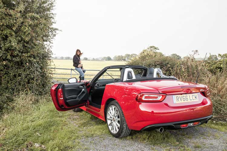 fiat124-spider-gracie-opulanza-for-menstylefashion-car-review-21