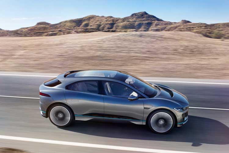 jaguar-ipace-concept-car-driving-2