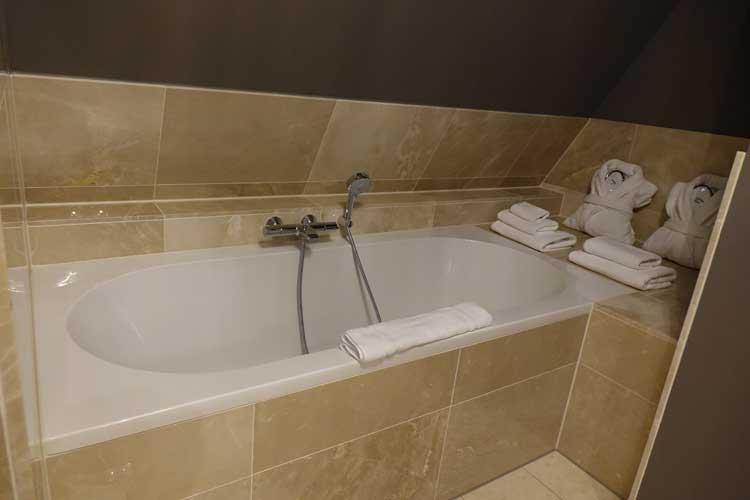 luxury-suites-amsterdam-luxury-location-royal-penthouse-menstylefashion-20