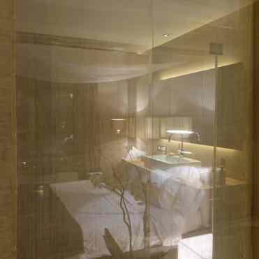 Hotel-Omm-Junior-Suite.jpg--ccccccc