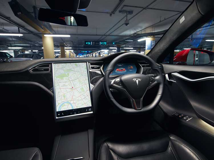 Tesla Model S 90D – The All-Electric Driving Experience interior