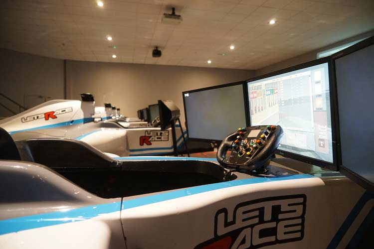 F1 Simulator - Lets Race Experience