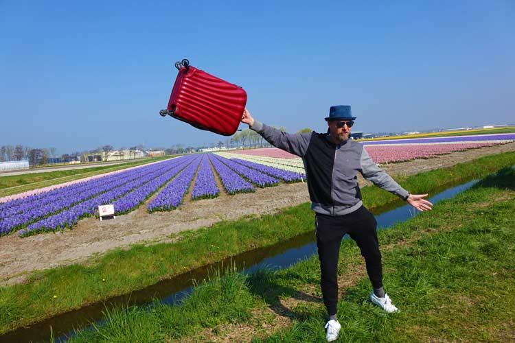 Samsonite's Suitcases - The Serious Traveller