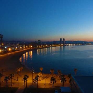 WBarcelona Spain Fabulous Room View MenStyleFashion 2017 (6)