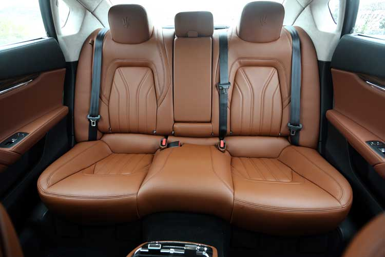 Maserati Quattroporte Diesel - Our Review Back Seats