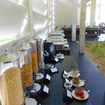 Jetwing Lake Hotel Dambula Sri Lanka Review - breakfast