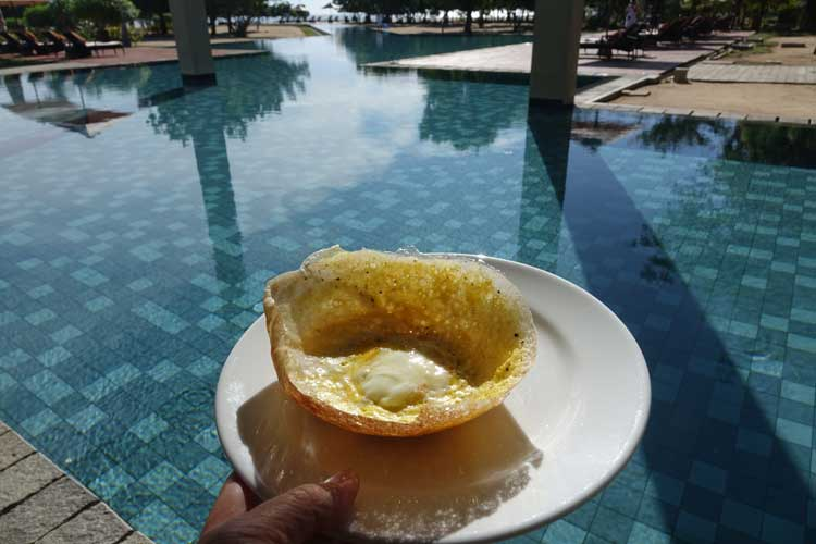 Sunrise By Jetwing Sri Lanka Hotel Review - breakfast by the pool