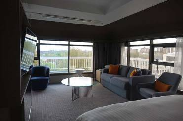 London Marriott Hotel Regents Park - Skyline Penthouse Suite menstylefashion 2018 (8)