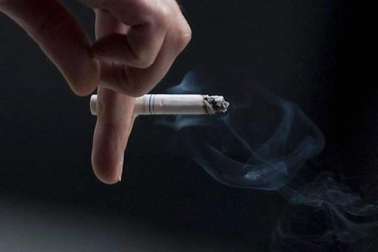 smoking sigarette