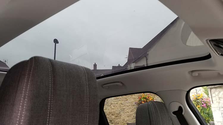 Range Rover velar glass roof