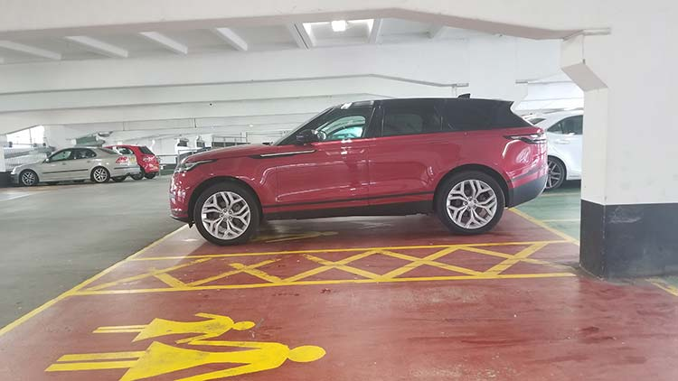 Range Rover Velar Car Park
