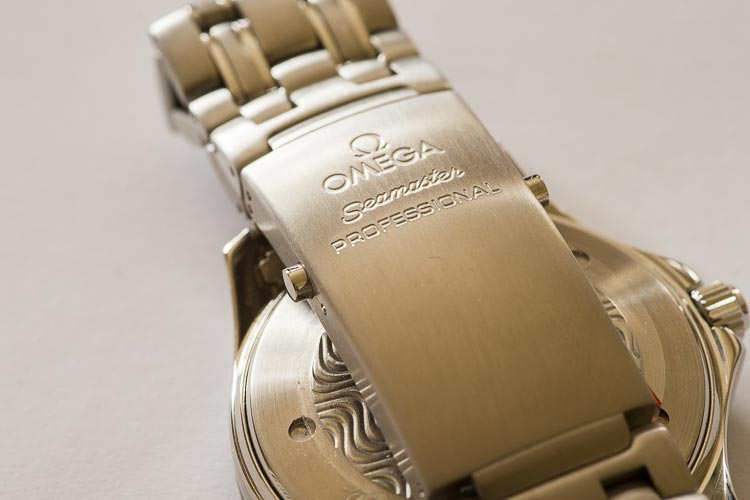 """""""The iconic Seamaster buckle, now without a myriad of scratches"""" Omega"""