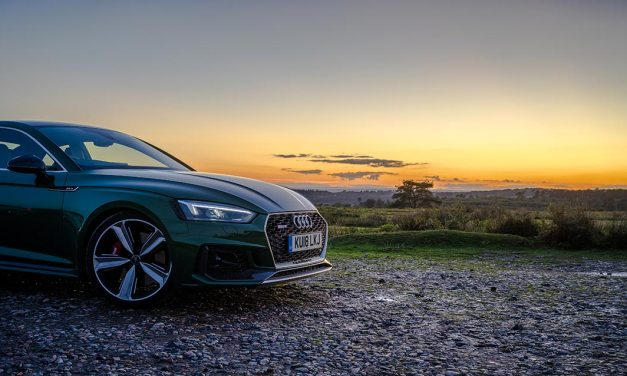 Audi RS5 Carbon Edition Review – Classy Coupe For Speed Freaks!