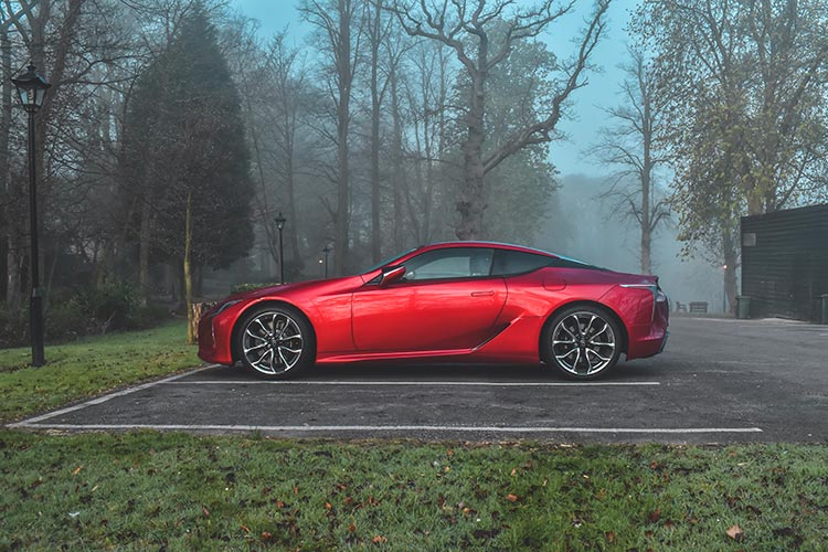 Lexus LC500 V8 MenStyleFashion 2019 review Satinred (13)
