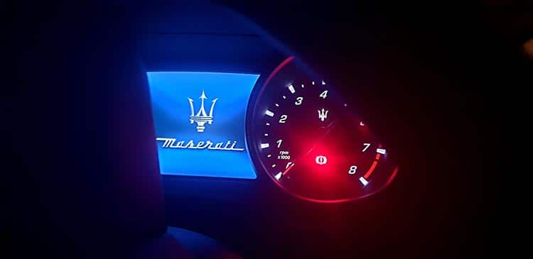 Masertai Levante SUV night interior (1)