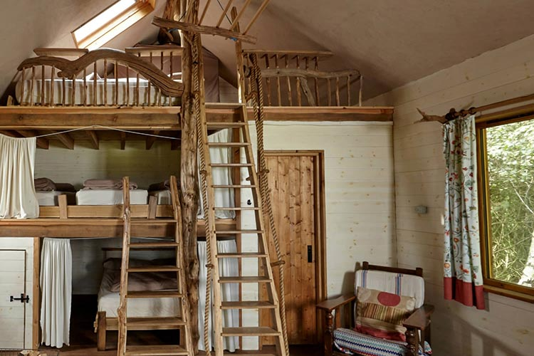 bunk beds treehouse