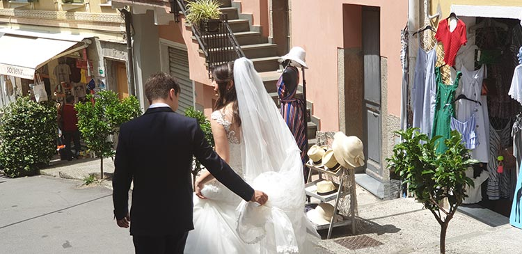 Wedding Day - Alternative Luxury Saving Tips