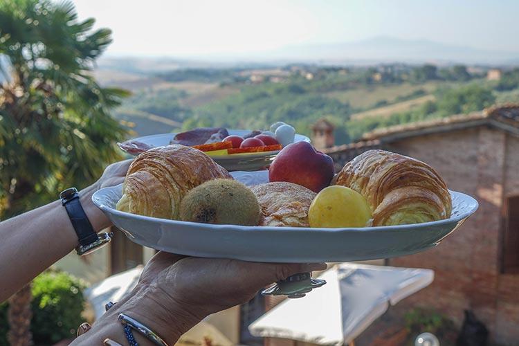 Hotel-Santa-Caterina---Siena-Tuscany-MenStyleFashion-2019-Hotel-Re Breakfastview-(1)