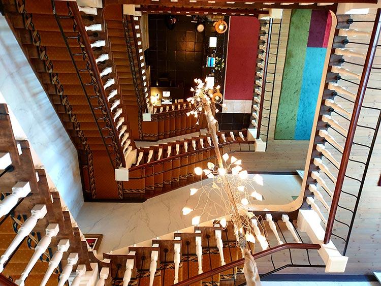 Duke hotel brugge Mini Clubman - The Brugge Job Review 2019 MenStyleFashion JW Cooper Works BMW