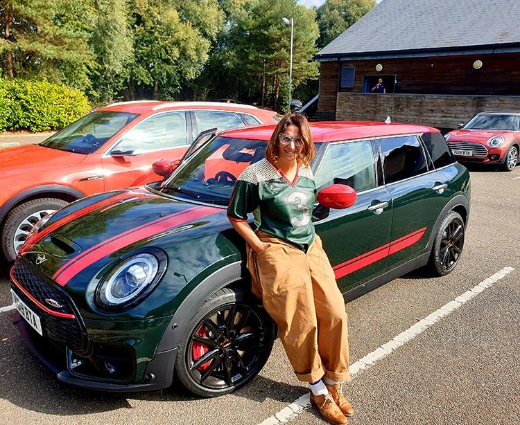 Mini Clubman - The Brugge Job Review 2019 MenStyleFashion JW Cooper Works BMW Rebel Green