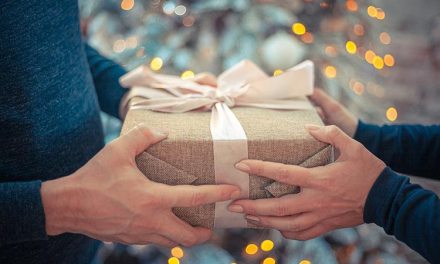 10 Thoughtful Gifts to Light up Someone's Life