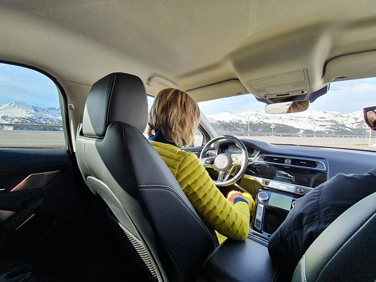 Jaguar IPACE 2400m driving experience Gracie Opulanza (2)