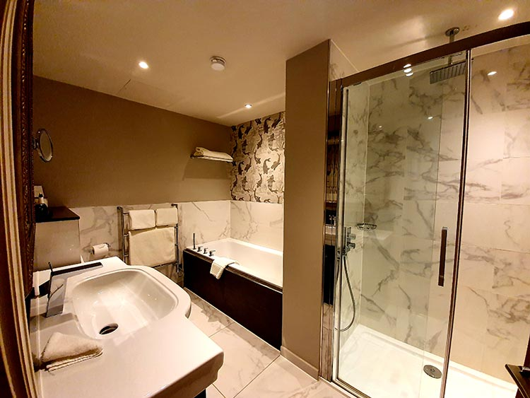 Mallory Court Country House Hotel & Spa Elan Spa Bathroom