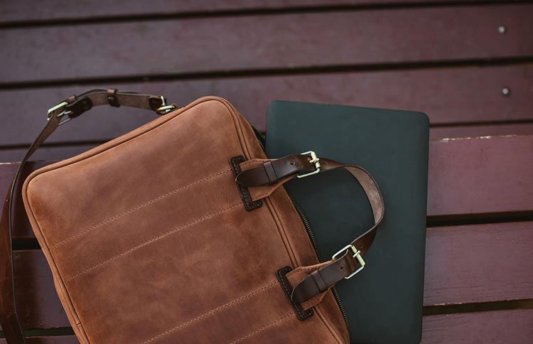 Key Tips On Choosing The Perfect Leather Laptop Bag For Business Events
