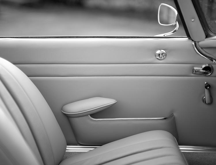 ionic-car-interior017