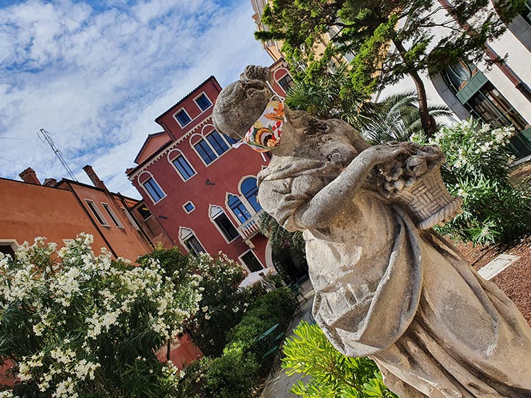 Il Palazzo Experimental - The Modern Venice Hotel Reviewed garden